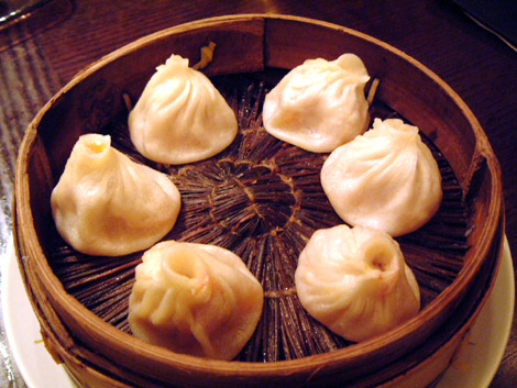 上海蟹みそ入り小籠包1